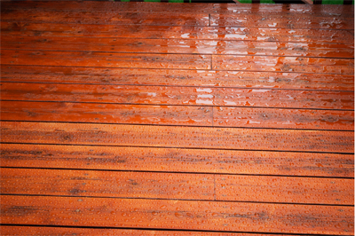 Water_on_deck_surface
